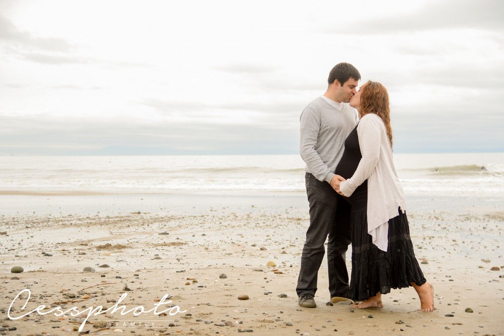 Maternity photo session in Capitola Beach